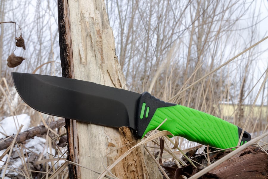 How to Use A Survival Knife in Emergency Situations
